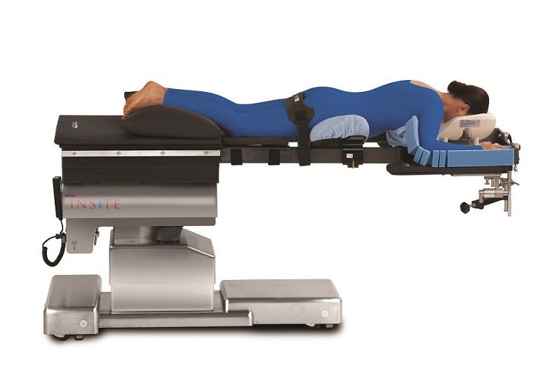 创新概念的微创髋关节置换手术床、具备下肢创伤全碳纤维牵引部件